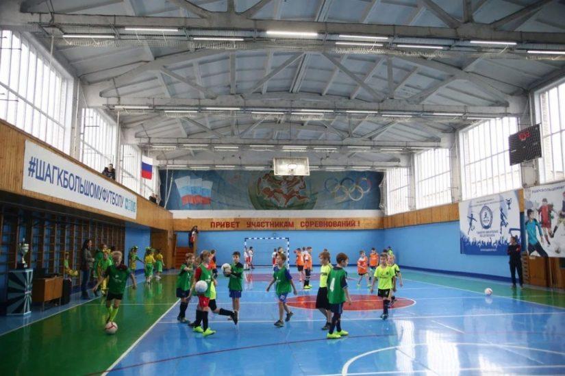 Благодаря «НОВАТЭК-Кострома» спортивный зал комплекса «Спартак» в Мантурово преобразился